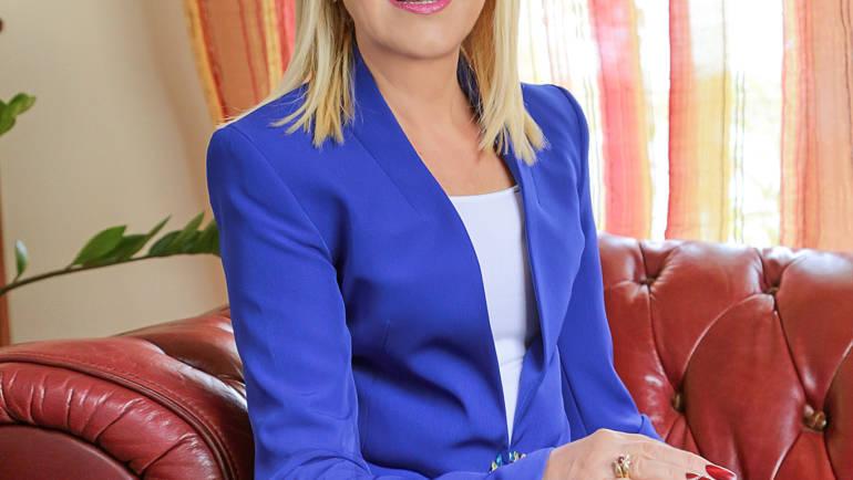 Angie Loupescou